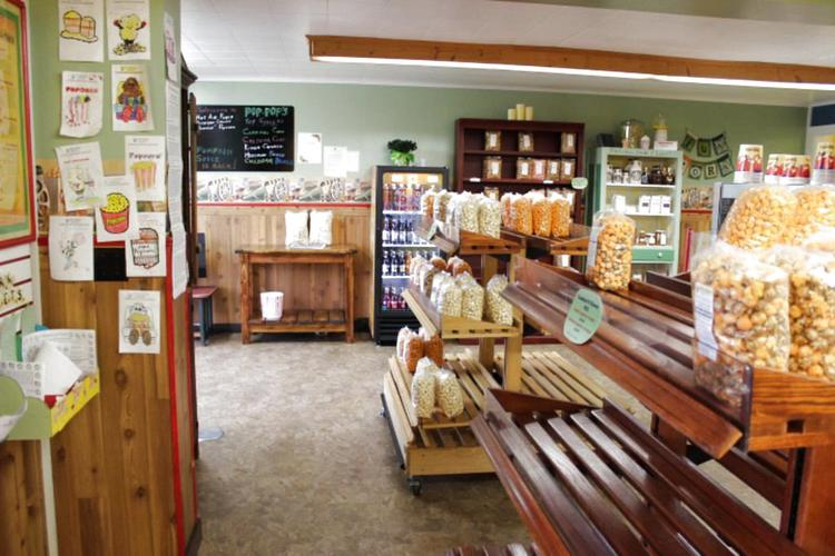 Attractive Inside The Store At Pop Popu0027s Gourmet Popcorn