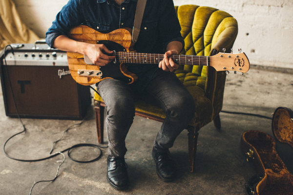 - Wallace Detroit Guitars Turns Reclaimed Wood Into Guitars