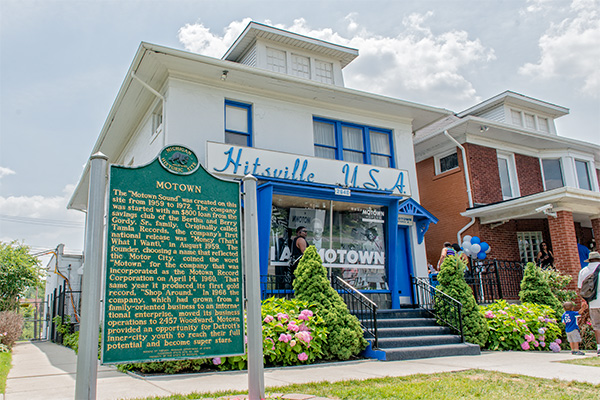 New bus tour commemorates history of African-American