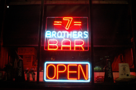 7 Brothers Bar