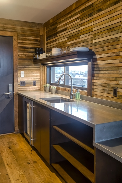 Kitchen in a rooftop lodge