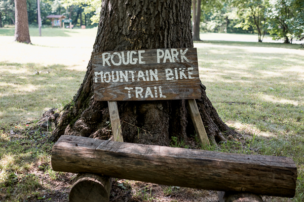 Sign for the mountain bike trail in Rouge Park