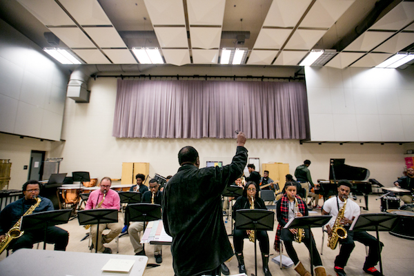 Wendell Harrison teaches a class at the Detroit School of Arts