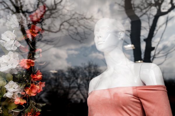 Mannequin on the Avenue of Fashion