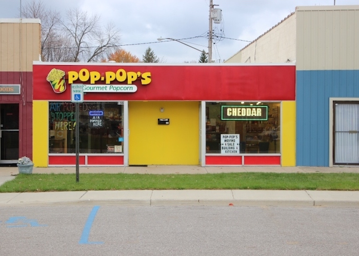 Pop Popu0027s Gourmet Popcornu0027s Colorful Storefront In Midland