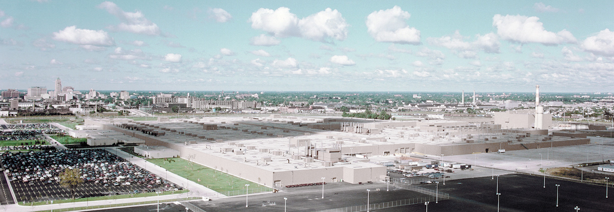 Aerial view of GM Detroit-Hamtramck Assembly <span class=&apos;image-credits&apos;>General Motors</span>